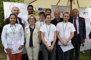 Les lauréats du Concours accompagnés de Guillaume Pépy, Geneviève Fioraso et Jean-Hervé Lorenzi