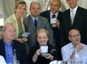Madeleine Albright, Hubert védrine et jean-Hervé Lorenzi