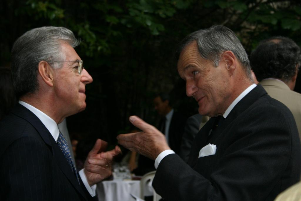 Mario Monti_Francis Mer_Aix 2004_crop